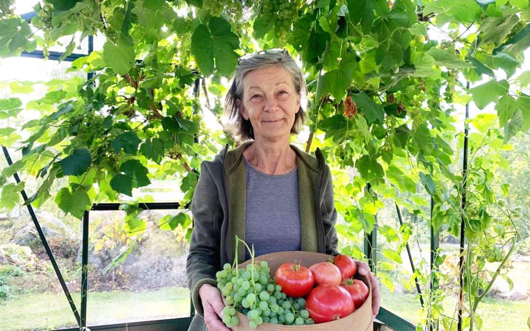 trädgårdsdesigner Lotta Jerrebrant i växthus